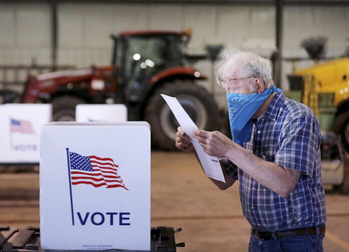 Wisconsin resident casts vote
